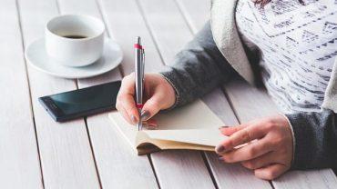manfaat menjadi penulis artikel