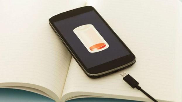 Mengisi Baterai Smartphone