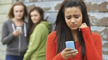 cyber bullying di media sosial