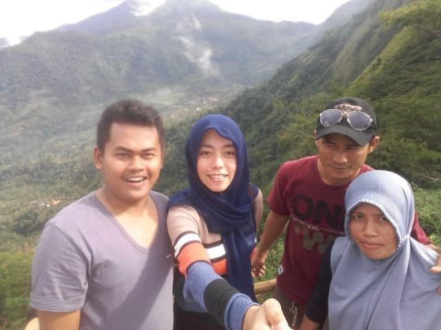 puncak gunung kelir