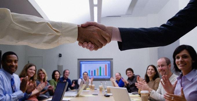 hubungan baik dengan pelanggan