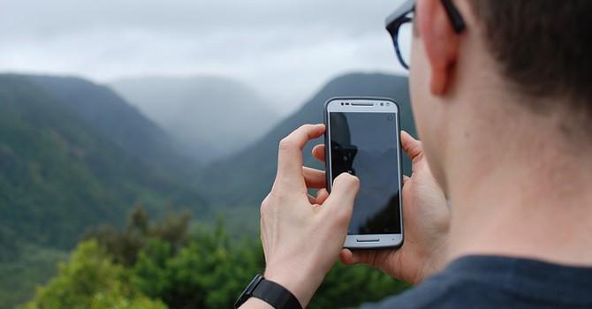 manfaat gadget saat traveling
