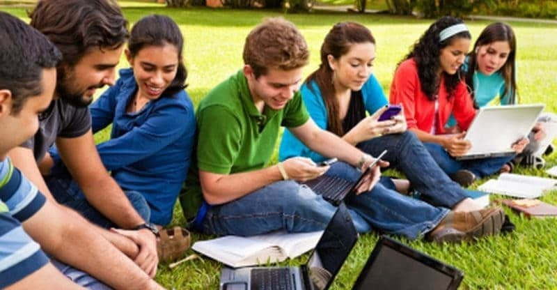 aplikasi smartphone untuk mahasiswa