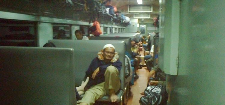 Kereta kelas ekonomi. Sumber foto: ciliwoeng