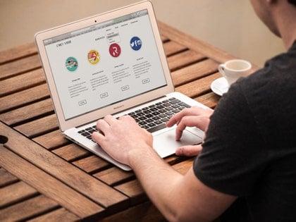 Mendulang Sukses Menggunakan Media Sosial