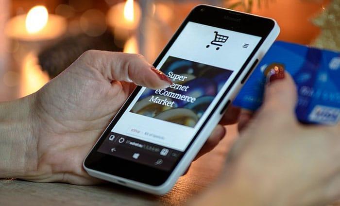 Cara Menghasilkan Uang dengan Smartphone belanja