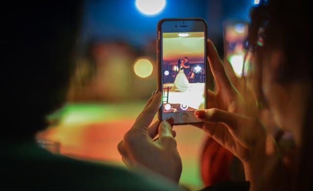 Cara Menghasilkan Uang dengan Smartphone nonton video