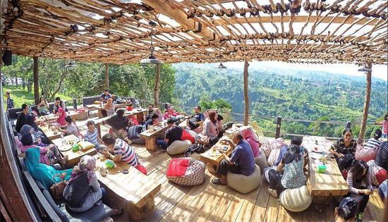 3-Tempat-Nongkrong-di-Bandung-yang-Lagi-Hits-dan-Wajib-Kamu-Tongkrongin