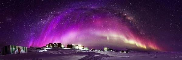 Aurora Australis Taken by Liu Yang on September 8, 2015 @ Chinese Antarctic Zhongshan Station, Antarctica. Via SpaceWeatherGallery.com