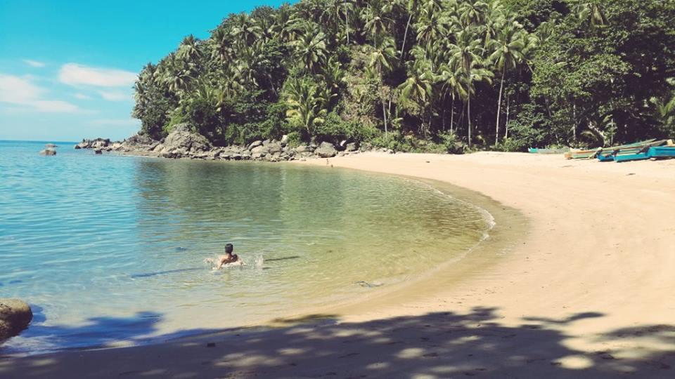pantai terindah di maluku - pantai nanseri