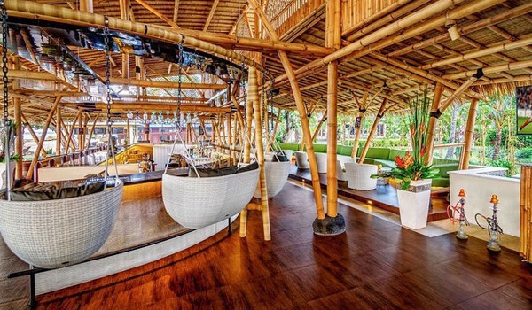 Restoran-restoran Dekat Pantai