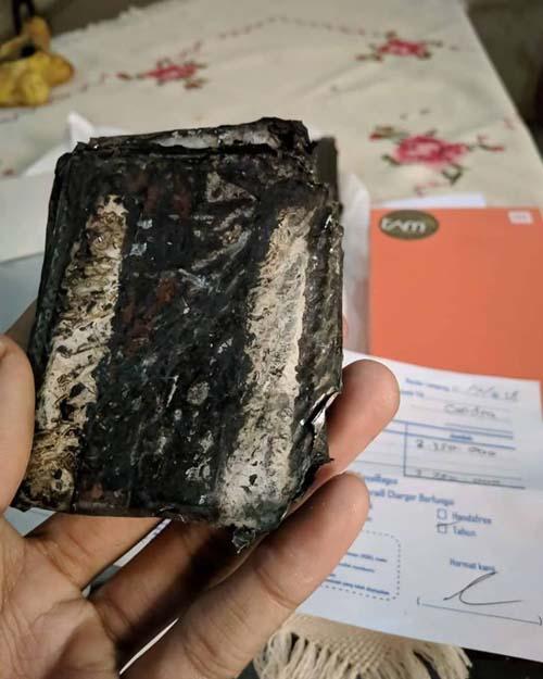 Insiden ponsel meledak