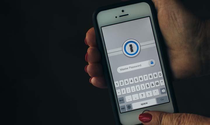 pelaku phising iphone
