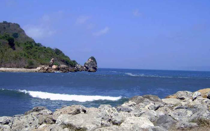 Wisata Pantai Terbaik di Jember