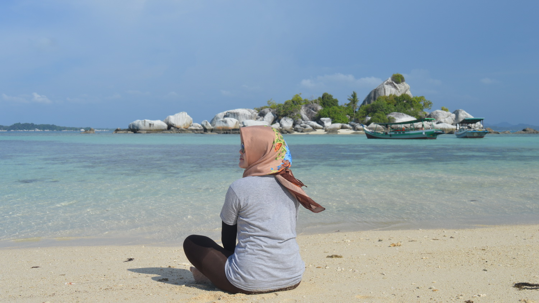 Pulau Lengkuas via @hidayatagung_