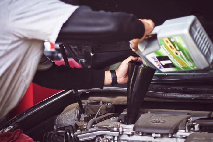 Menghemat Biaya Perawatan Mobil