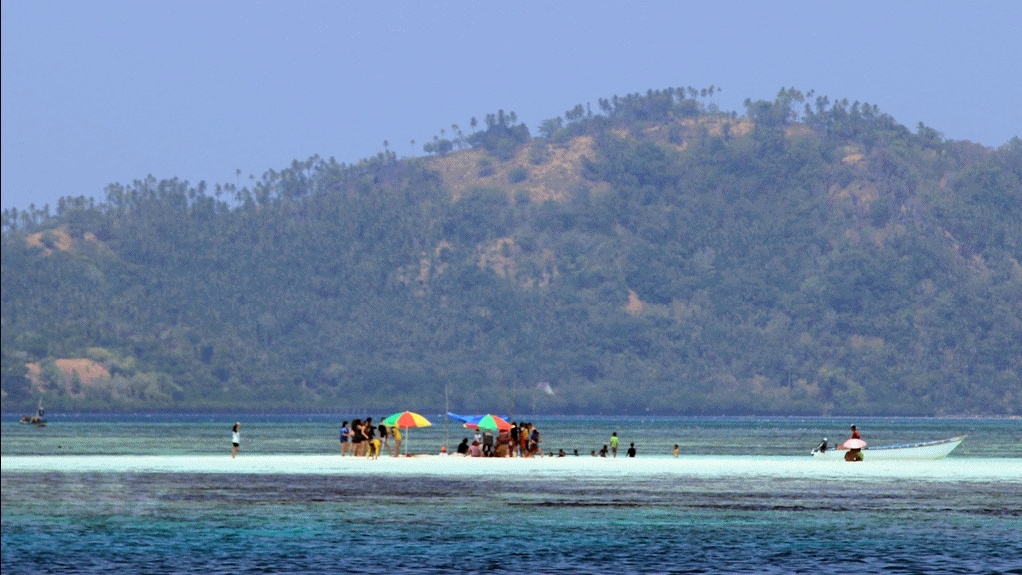 Pulau Nain Besar via kompasiana.com-01