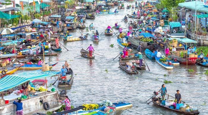 Pasar Terapung di Mekong Delta
