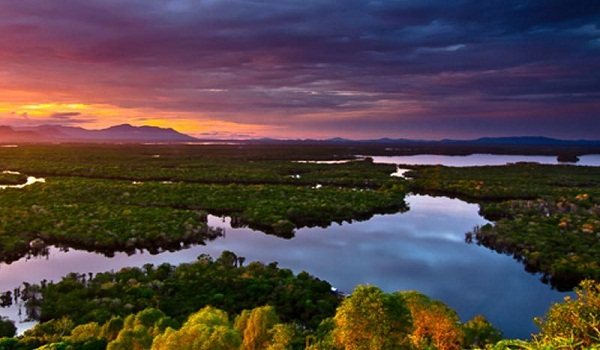 wisata danau sntarum