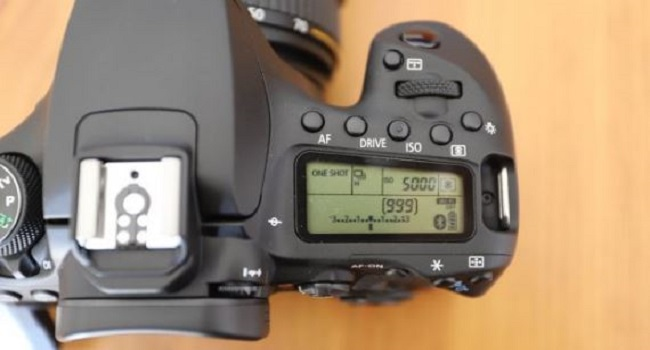 Canon EOS 90D kamera dslr
