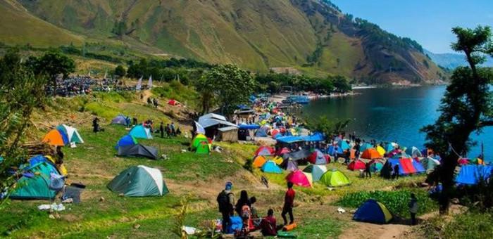 Tempat Camping Yang Paling Seru dan Indah Pemandangannya