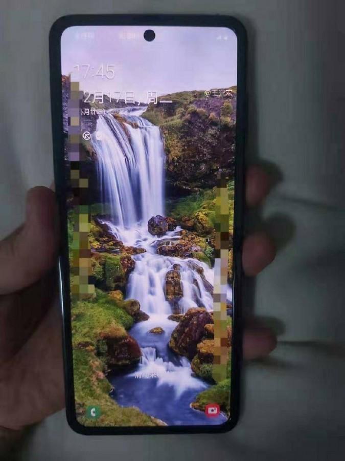 Bocoran Penampakan Samsung Galaxy Fold Clamshell
