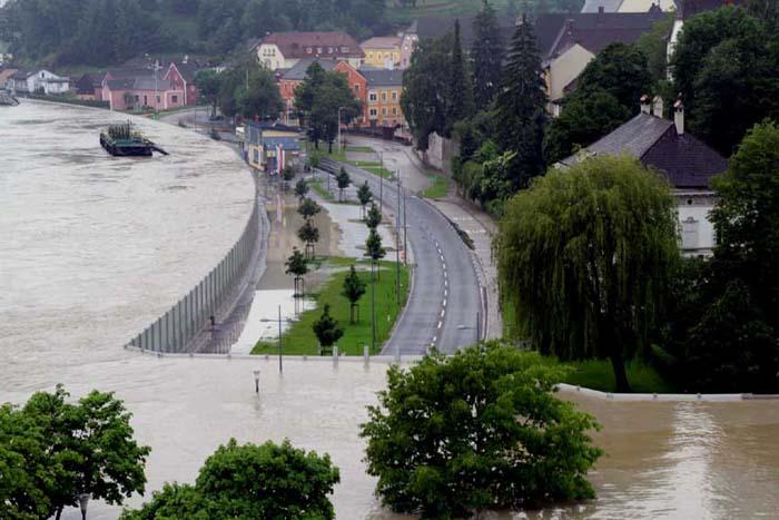 Dam flood Austria