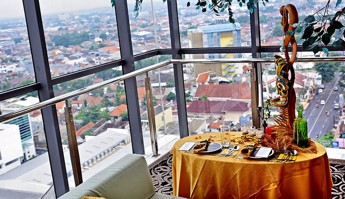 Cafe Rooftop di Semarang dengan Pemandangan Menakjubkan