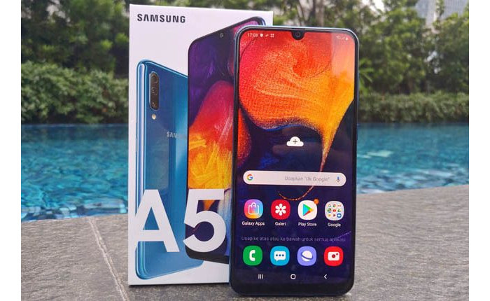 Smartphone Dengan Layar AMOLED Samsung Galaxy A50