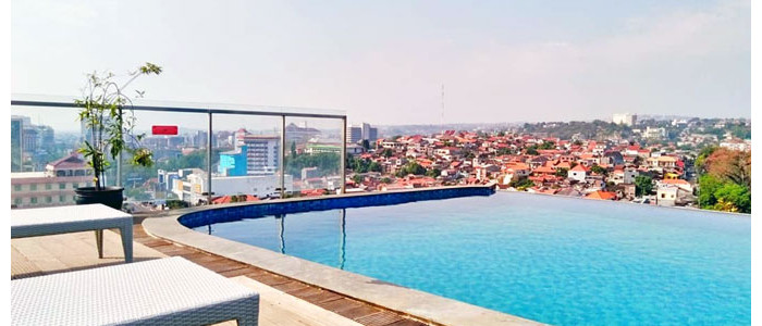 Sky Pool Bar Star Hotel Semarang