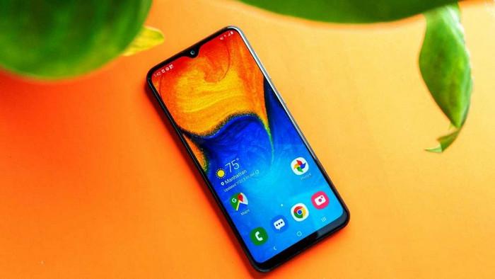 Smartphone Dengan Layar AMOLED, Termurah dan Paling Laris Tahun 2020