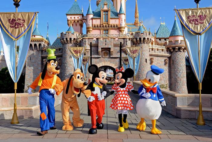 Objek Wisata di Dunia Disneyland Tokyo, Jepang